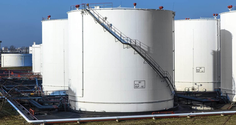 Oil tank in a tank farm